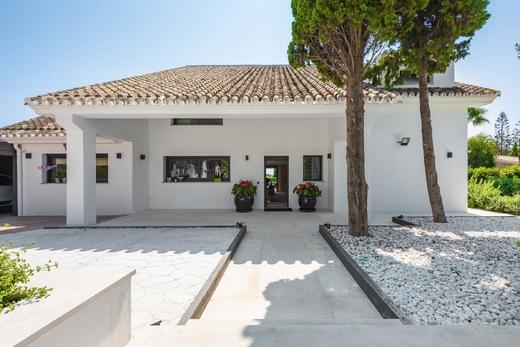 Property in El Rosario Marbella for Sale