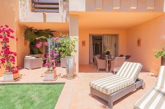 Apartment in Mansion Club, Marbella Golden Mile, Marbella