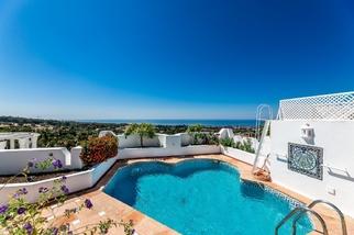 Penthouse in Jardines Colgantes, Marbella Golden Mile, Marbella