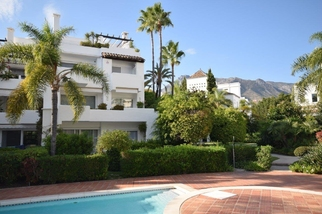 Apartment in Alhambra del Mar, Marbella Golden Mile, Marbella