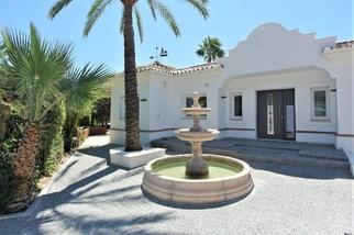 Villa in Magna Marbella, Nueva Andalucia, Marbella