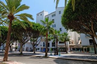 Apartment for sale in Puerto Banús, Costa del Sol, Málaga
