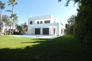 Villa for sale in Atalaya, Costa del Sol, Málaga