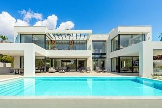Villa for sale in Marbesa, Costa del Sol, Málaga