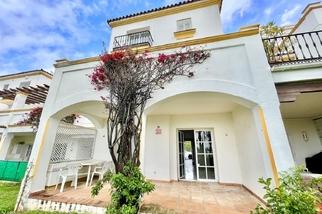 Townhouse for sale in Selwo, Costa del Sol, Málaga