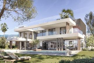 Villa for sale in Cancelada, Costa del Sol, Málaga