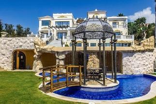 Villa for sale in Los Flamingos, Costa del Sol, Málaga